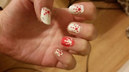 Orange and White dotted nail design | Pintertesting